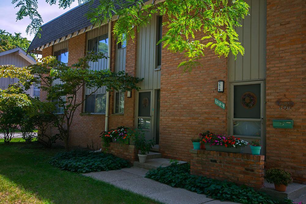 Pine Valley Apartment Homes - Slavik Management